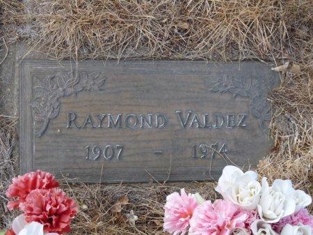 VALDEZ, RAYMOND - Colfax County, New Mexico | RAYMOND VALDEZ - New Mexico Gravestone Photos